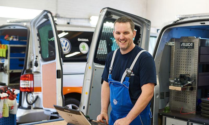 Vw Bedrijfswagens Onderhoud Service Reparatie Liggend