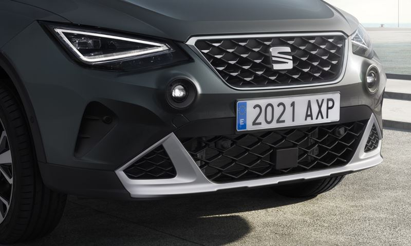 SEAT Arone grille