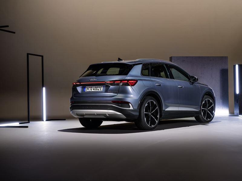 Audi Q4 e-tron blauw rear