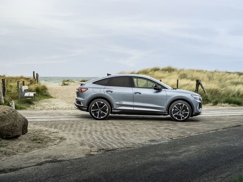 Audiq4sportbacke Tron8 (HD)
