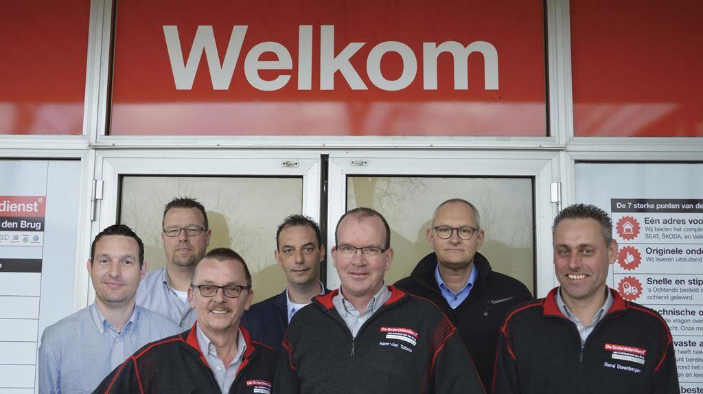 2015 Groepsfoto De Onderdelendienst Incl Willem Voor Pand
